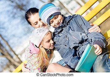 όμορφος , μικρόκοσμος , κόρη , δέλτος pc , άνοιξη , μητέρα , πάρκο , δυο , υιόs , φθινόπωρο , δικό τουs , ηλεκτρονικός υπολογιστής , closeup , φόντο , έξω , αστείο , χρησιμοποιώνταs , παιδιά , έχει , ή