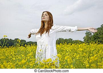 όμορφος, πεδίο, λουλούδια, γυναίκα, κίτρινο