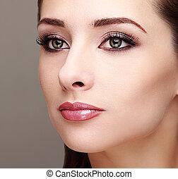 όμορφος , τέλειος , γυναίκα , βλεφαρίδα , face., μακιγιάζ , μακριά , closeup , eyes., πράσινο , καπνίζων , φτιάχνω