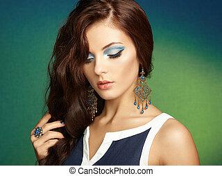 όμορφος , τέλειος , γυναίκα , earring., φωτογραφία , makeup., μόδα , μελαχροινή , πορτραίτο