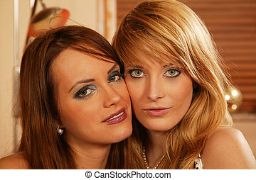 όμορφος , 2 γυναίκα