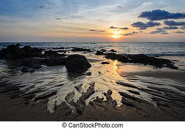 όμορφος , cloudscape , γραμμή ορίζοντα , ηλιοβασίλεμα , βράχοs , παραλία