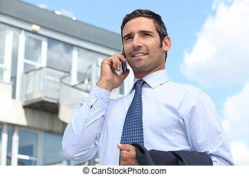 агент по недвижимости, стоял, за пределами, имущество