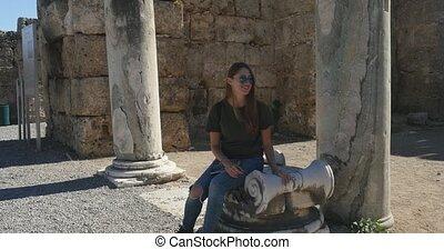 античный, город, камень, древний, сидящий, колонка, молодой, за, мрамор, perge, женщины