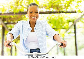 африканец, женщина, верховая езда, байк