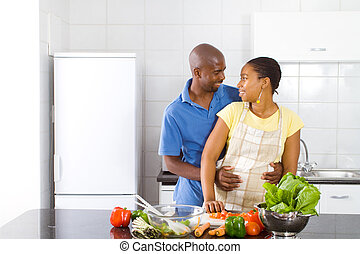 африканец, пара, в обнимку, в, кухня