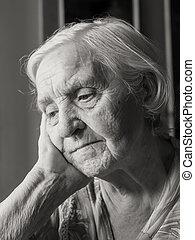 бабушка, старый