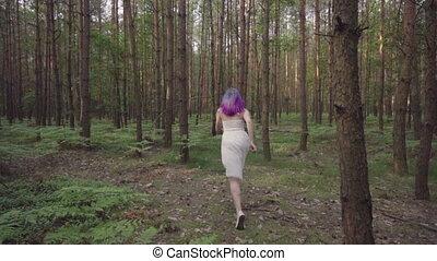 бег, женщина, платье, лес