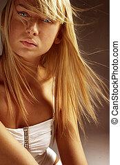 безумно красивая, блондин, девушка
