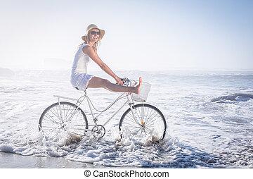 безумно красивая, счастливый, блондинка, на, байк, поездка, в, , пляж