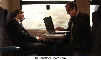 бизнесмен, за работой, на, поезд