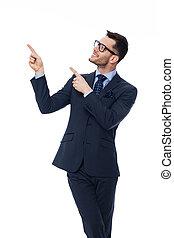 бизнесмен, пространство, молодой, pointing, улыбается, копия