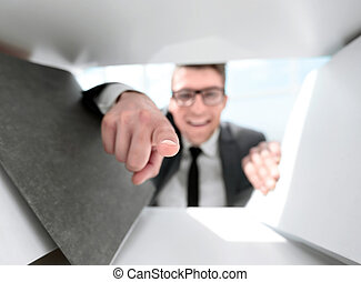 бизнесмен, является, pointing, his, палец, в, , камера