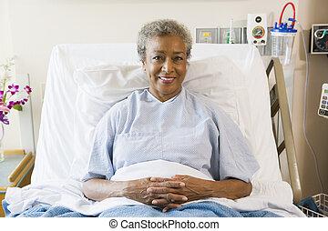 больница, женщина, старшая, постель, сидящий