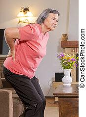 боль в спине, главная, страдающий, женщина, старшая