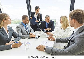 брифинг, бизнес, команда