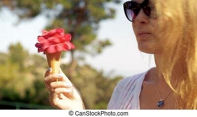букет, девушка, вафельный, кокетливый, конус, лето, красный
