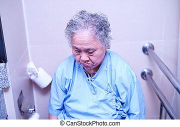 ванная комната, подопечный, азиатский, старшая, туалет, старый, пациент, уход, женщина, больница, пожилой, леди