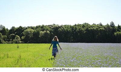 василек, женщина, поле