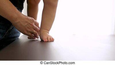 вверх, ходить, учить, детка, закрыть, ноги