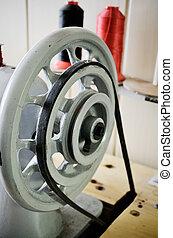 вверх, machine., старый, вертикальный, шитье, handwheel, закрыть