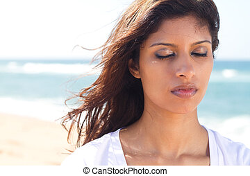 вдумчивый, индийский, молодой, женщина