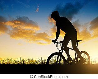 велосипедист, верховая езда, , гора, велосипед