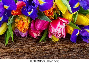 весна, irises, tulips