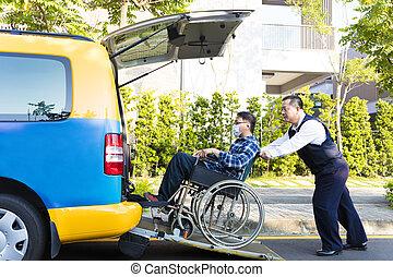 водитель, помощь, человек, на, инвалидная коляска, получение, into, такси