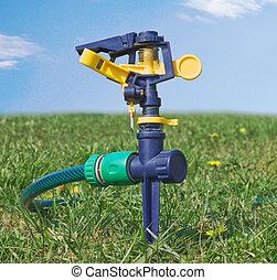 воды, газон, разбрызгиватель