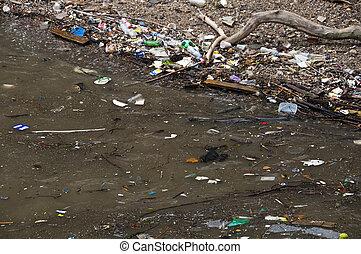 воды, загрязненный