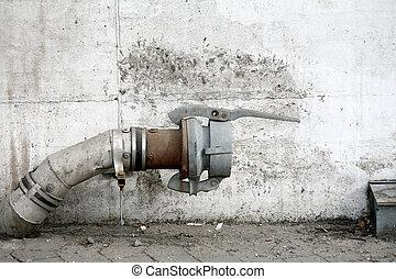 воды, труба