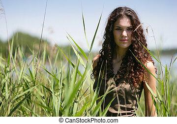 высокий, женщина, трава, молодой