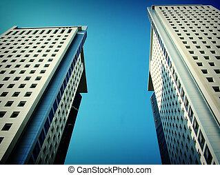 высокий, здание