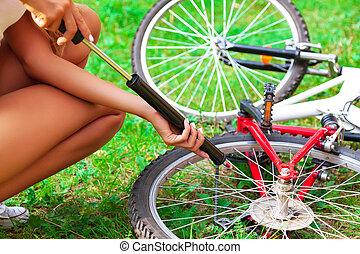 выстрел, шина, woman's, pumping, вверх, насос, велосипед,...