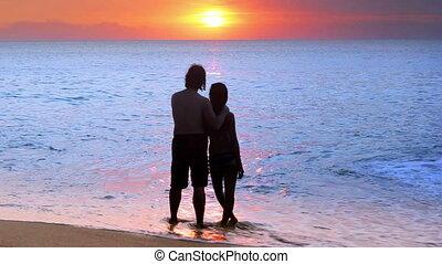 в течение, пара, пляж, закат солнца, романтический