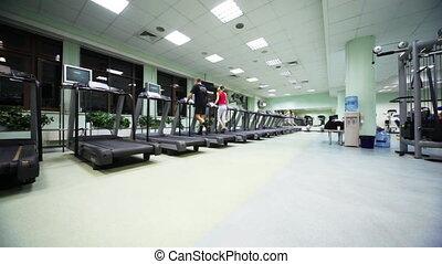 гимнастический зал, ходить, бегущая дорожка, обученный, люди