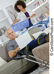 главная, старшая, с помощью, человек, пострадавший, компьютер