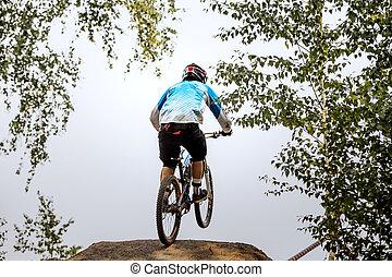 гонщик, экстремальный, спортсмен, прыгать, на, велосипед