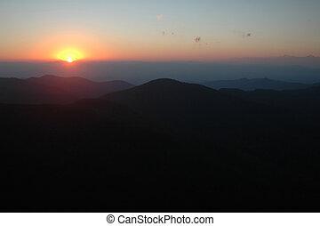 гора, закат солнца