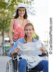 город, сидящий, инвалидная коляска, visiting, два, один, иностранные, friends