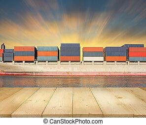 грузовое судно, небо