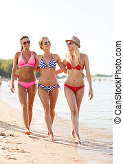 группа, of, улыбается, молодой, женщины, на, пляж