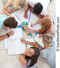 группа, of, teenagers, studying, вместе