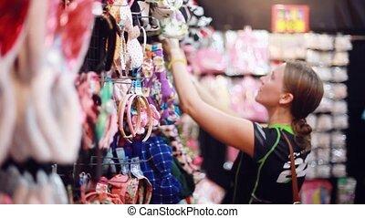 гулять пешком, женщина, поход по магазинам, торговый центр, молодой, tries, привлекательный, headband., 1920x1080