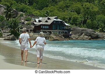 гулять пешком, пожилой, портрет, счастливый, пара