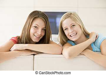два, женщины, в, гостиная, улыбается