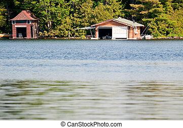 два, boathouses