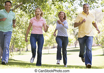 два, couples, бег, на открытом воздухе, улыбается