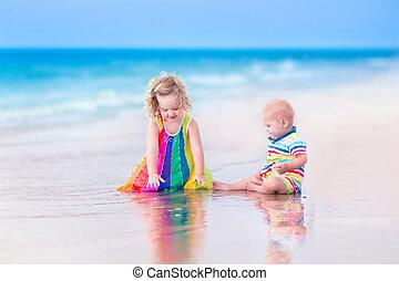 два, kids, на, , пляж
